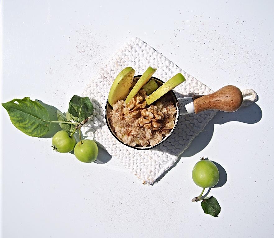 Gluteeniton ja maidoton omenapiirakkapuuro