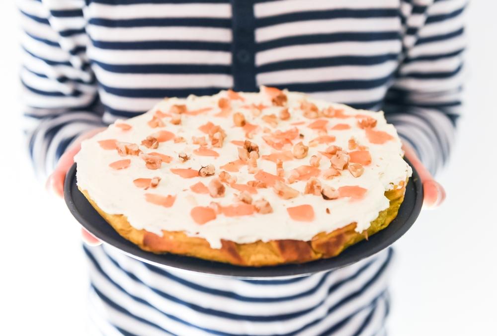 Helppo gluteeniton porkkanakakku